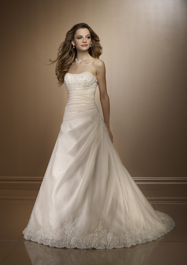 فساتين زفاف جديدة فساتين زفاف
