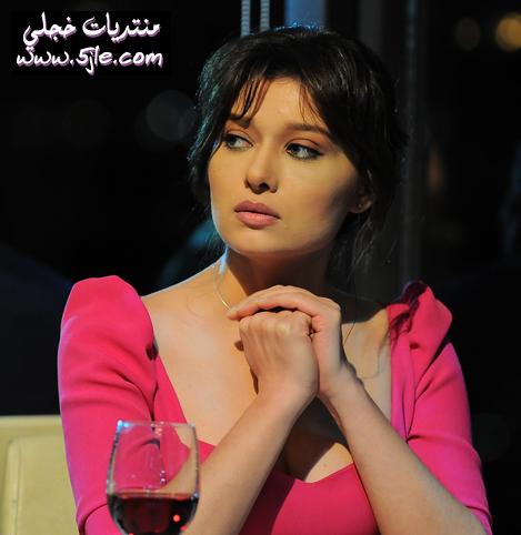 ازياء الممثله التركيه ياسمين الفنانه